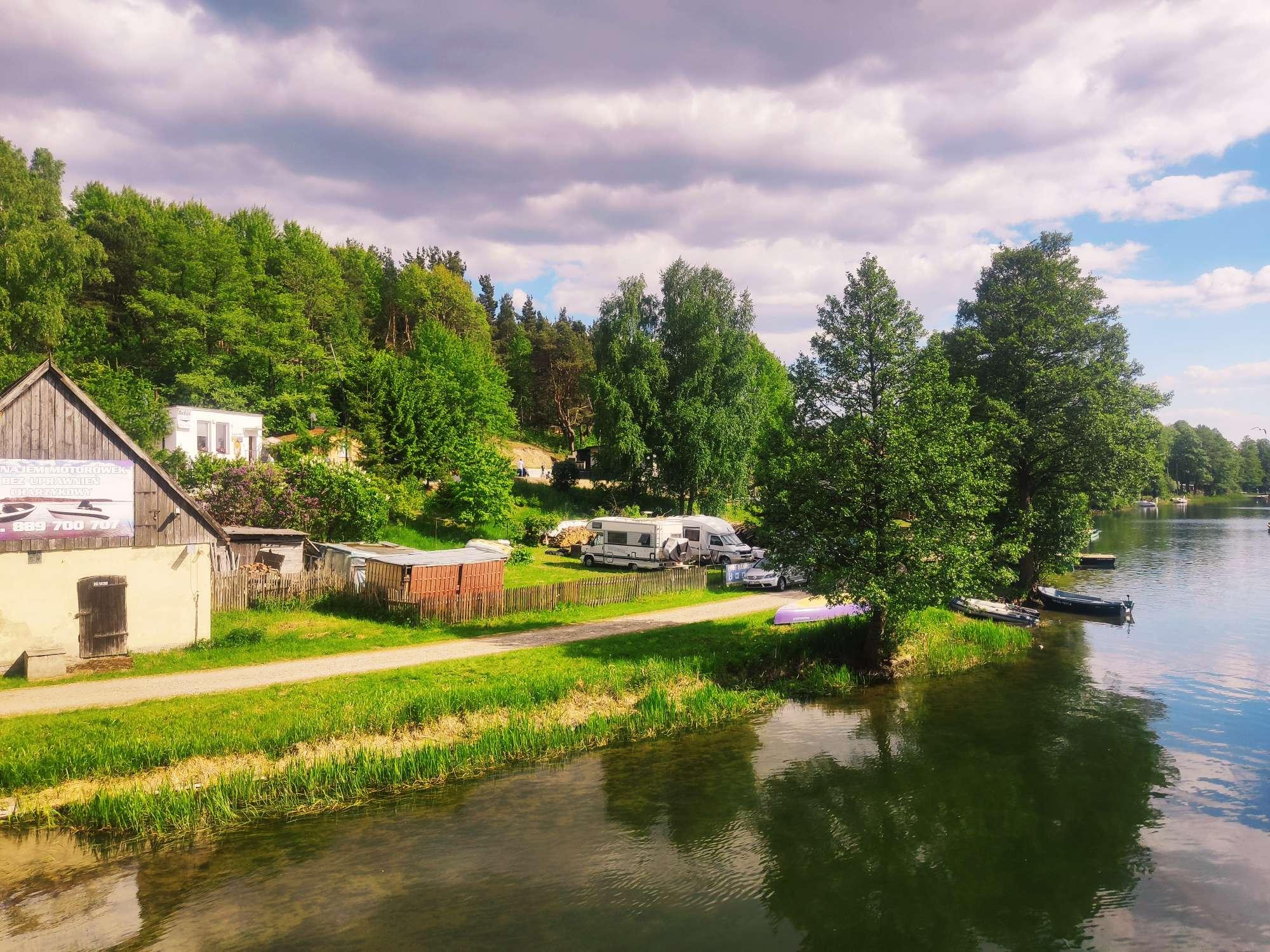 Gdzie najlepiej zatrzymać się w Borach?